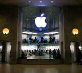 Apple Gains Support of Google, WhatsApp and Snowden against FBI