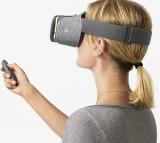 lady using Daydream VR