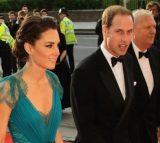 Kate Middleton Stunning in Daring Teal Gown by Jenny Packham | Royal's Fashion Update