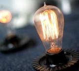 California Lawmaker Considers Bill Banning Conventional Light Bulbs