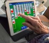 12 Tips to Help Seniors Become Computer Savvy