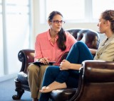 It's Time to Get Help: 5 Top Signs You Should See a Therapist