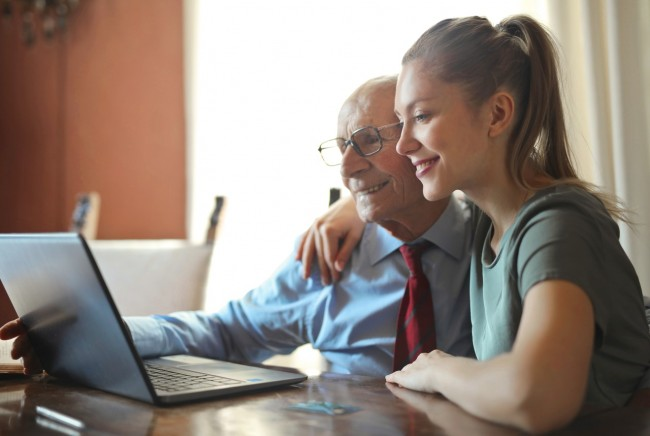How Online Health Tools Can Help Adult Children and their Senior Parents