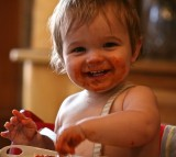 Messy, Baby, eating